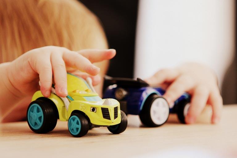 Kinderspielzeug mit Logo bedrucken
