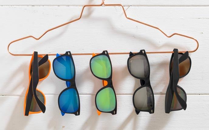 Große Auswahl an Sonnenbrillen bei allbranded