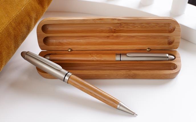 Nachhaltige Kugelschreiber aus Holz verschenken